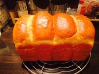 ★焼き立て食パン★