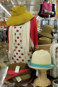 ノーザントラック春物カーデにストール&帽子でUV対策コーデ