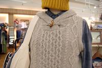 リラシク、ノーザントラックの編み目が素敵なケーブル編みニットが入荷