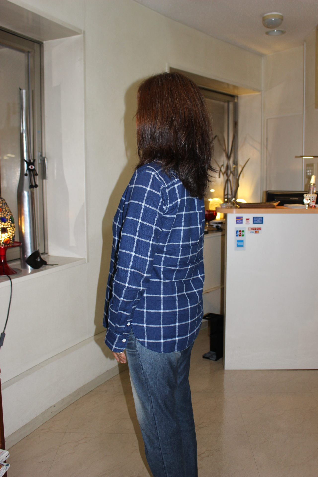髪のユルい動きを軽さでいかして  乾かしながらベストに整っ・・・