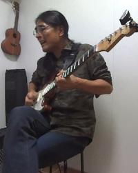 ギターレッスン教室 神戸・大阪 ギター弾き方 マリオネット