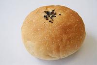 玄米パン工房の新作「あんぱん」「シナモンロール」