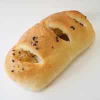 アグロ玄米パンの新シリーズ「ごろごろサツマイモぱん」「チキンのミルクグラタンぱん」