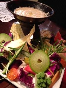ベジバールの絶品バーニャカウダは自家製お野菜たっぷり