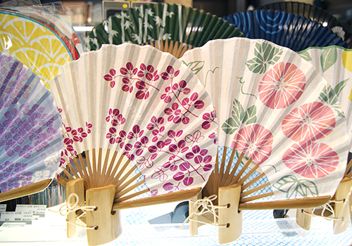 (YUIQ)上質な風!夏の大人の身支度に、美しい扇子をプラス