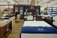 インテリアコーナー大改装!ベッド、じゅうたんが充実