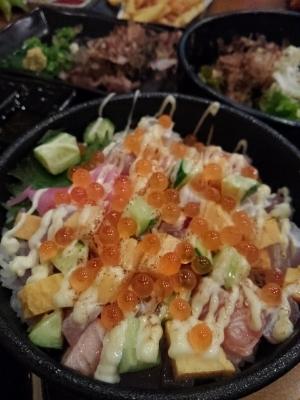 魚介の旨味たっぷり 炙り海鮮マヨ丼!  昨日は メガ卵かけ・・・