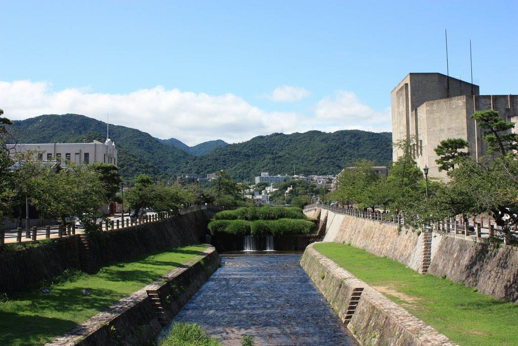 普段の芦屋川(業平橋付近)