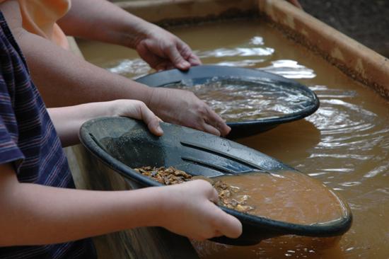 天然石の採掘方法