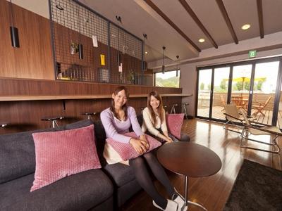 大陽猪名川:女性専用校内宿舎「エルベ」のサロン