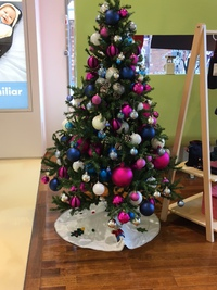 ファミリア神戸本店のかわいいクリスマスツリー