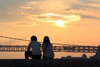 長時間労働で恋愛に支障7割超 結婚相談所調査・・・ここから見えてくるもの
