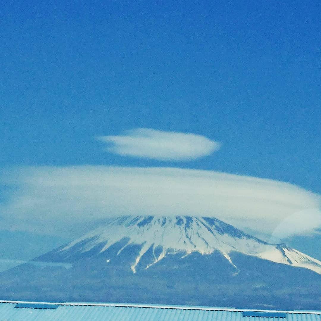 雲の写真じゃなくて、雲そのもの。  毎日みてても飽き・・・