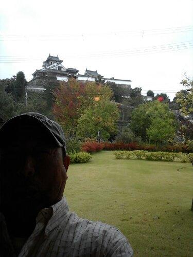 明智光秀が築いた城の前で 今だ謎だらけの本能寺の変に思・・・