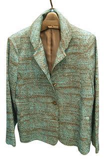 淡いエメラルドグリーンのジャケット