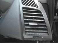 BMW1シリーズ エアコンルーバーの色あせ補修