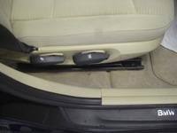 BMW X1のフロアマットリペア