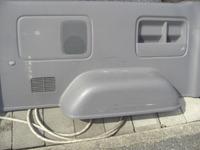200系ハイエースのトランク内張りリペア